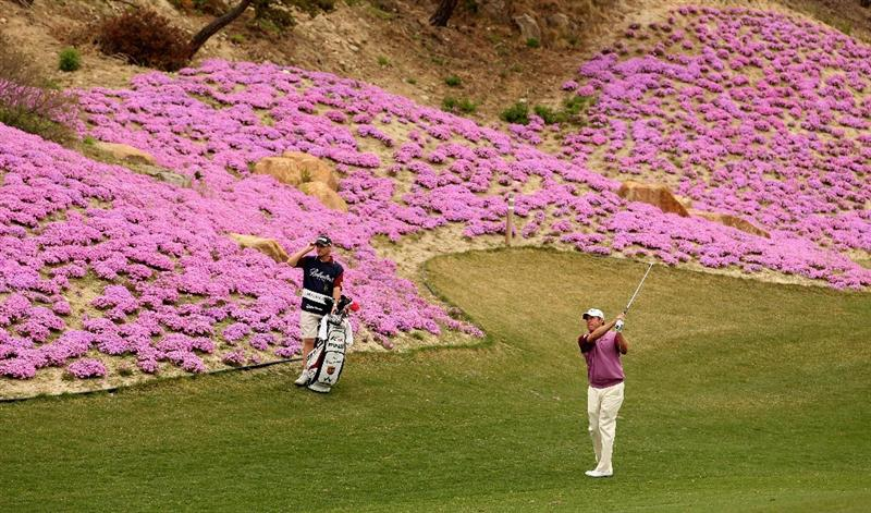 ICHEON, SOUTH KOREA - APRIL 29:  Lee Westwood of England in action during the second round of the Ballantine's Championship at Blackstone Golf Club on April 29, 2011 in Icheon, South Korea.  (Photo by Andrew Redington/Getty Images)