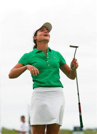PRATTVILLE, AL - OCTOBER 4: Lorena Ochoa of Mexico reacts as she watches her putt on the 18th green during the final round of the Navistar LPGA Classic at the Robert Trent Jones Golf Trail at Capitol Hill on October 4, 2009 in Prattville, Alabama. (Photo by Dave Martin/Getty Images)