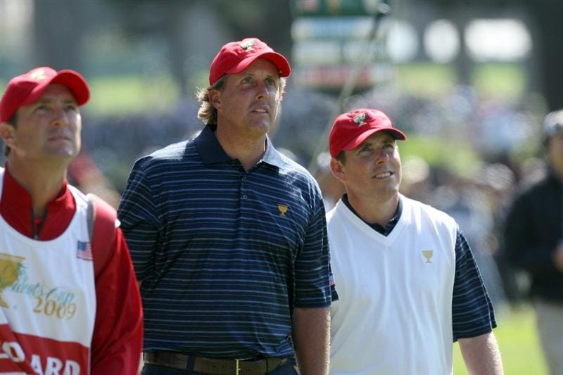 SAN FRANCISCO - OCTOBER 09:  Phil Mickelson of the USA Team with his playing partner Justin Leonard at the 7th hole during the Day Two Fourball Matches in The Presidents Cup at Harding Park Golf Course on October 9, 2009 in San Francisco, California  (Photo by David Cannon/Getty Images)