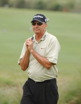 Don Pooley misses a birdie putt on the 17th  green during   the final  round of the 2005 Blue Angels Class  May 15 in Milton, Fl.Photo by Al Messerschmidt/WireImage.com
