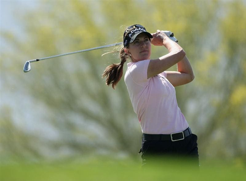 RANCHO MIRAGE, CA - APRIL 03:  Brittany Lang of the USA plays her tee shot at the 8th hole during the second round of the 2009 Kraft Nabisco Championship, at the Mission Hills Country Club on April 3, 2009 in Rancho Mirage, California  (Photo by David Cannon/Getty Images)