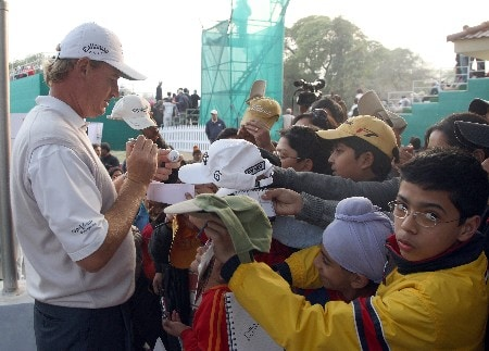 DELHI, INDIA - FEBRUARY 08:  Ernie Els of South Africa signs autographs after the second round of the Emaar-MGF Indian Masters at the Delhi Golf Club, on February 8, 2008 in Delhi, India.  (Photo by David Cannon/Getty Images)