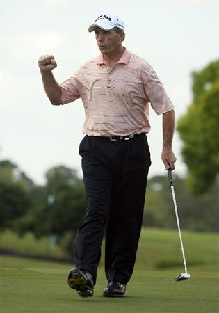 BOCA RATON, FL - FEBRUARY 14:  Jerry Pate celebrates after making a birdie putt on the ninth hole during the second round of the Allianz Championship at The Old Course at Broken Sound Club on February 14, 2009 in Boca Raton, Florida.  (Photo by Doug Benc/Getty Images)