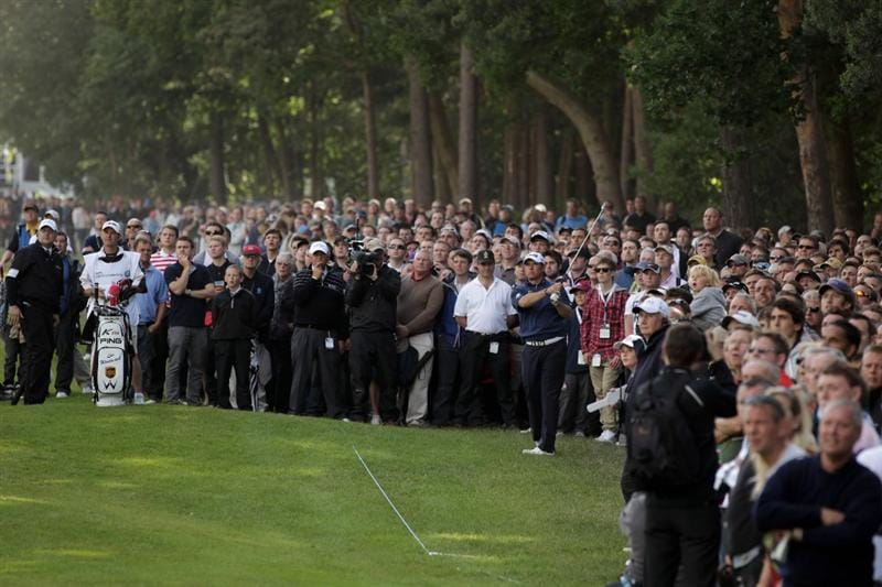 VIRGINIA WATER, ENGLAND - MAY 29:  Lee Westwood of England hits his 2nd shot on the 15th hole during the final round of the BMW PGA Championship  at the Wentworth Club on May 29, 2011 in Virginia Water, England.  (Photo by Ross Kinnaird/Getty Images)