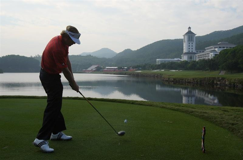 SHENZHEN, CHINA - NOVEMBER 26: Brandt Snedeker of USA plays his tee shot during the pro - am of the Omega Mission Hills World Cup at the Mission Hills Resort on 26 November 2008 in Shenzhen, China.  (Photo by Stuart Franklin/Getty Images)