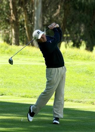 PACIFIC PALISADES, CA - FEBRUARY 20:  Fred Couples hits his tee shot on the eighth hole during the final round of the Northern Trust Open at Riviera Country Club on February 20, 2011 in Pacific Palisades, California. Couples double bogeyed the hole.  (Photo by Stephen Dunn/Getty Images)