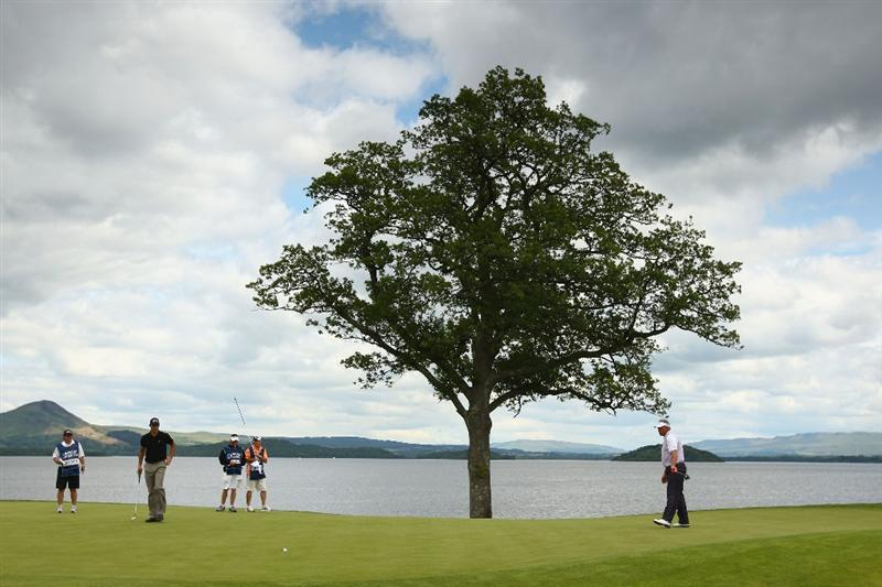 LUSS, SCOTLAND - JULY 09:  Alvaro Quiros of Spain putts on the 6th green during the First Round of The Barclays Scottish Open at Loch Lomond Golf Club on July 09, 2009 in Luss, Scotland.  (Photo by Richard Heathcote/Getty Images)