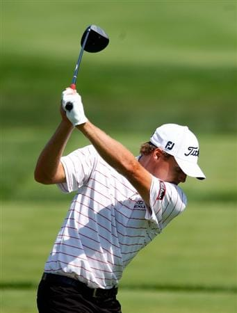 LEMONT, IL - SEPTEMBER 10:  Nick Watney hits his tee shot on the fifth hole during the first round of the BMW Championship held at Cog Hill Golf & CC on September 10, 2009 in Lemont, Illinois.  (Photo by Scott Halleran/Getty Images)
