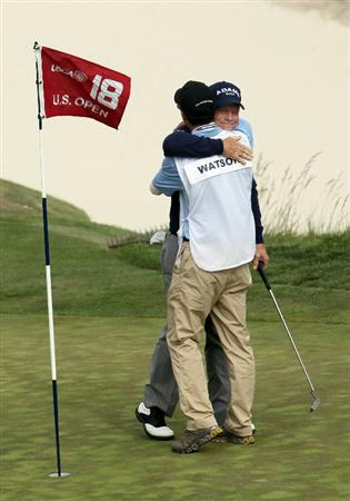 PEBBLE BEACH, CA - JUNE 20:  Tom Watson hugs his son/caddie Michael on the 18th green during the final round of the 110th U.S. Open at Pebble Beach Golf Links on June 20, 2010 in Pebble Beach, California.  (Photo by Stephen Dunn/Getty Images)
