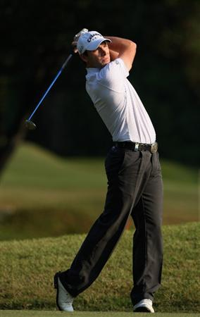 HONG KONG, CHINA - NOVEMBER 21:  Oliver Wilson of England plays his approach shot on the 15th hole during the second round of the UBS Hong Kong Open at the Hong Kong Golf Club on November 21, 2008 in Fanling, Hong Kong.  (Photo by Stuart Franklin/Getty Images)
