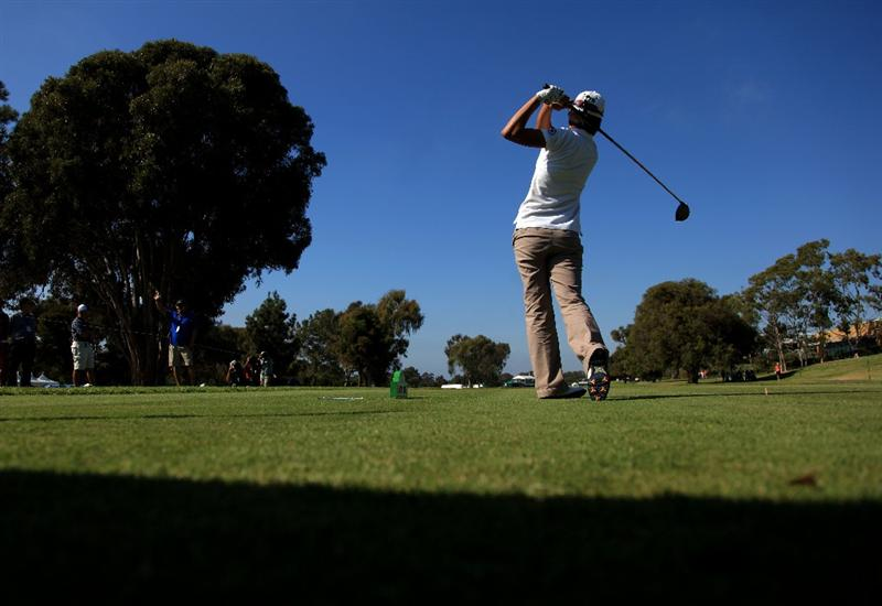 LA JOLLA, CA - SEPTEMBER 17:  Song-Hee Kim of South Korea tees off the 18th hole during the first round of the LPGA Samsung World Championship on September 17, 2009 at Torrey Pines Golf Course in La Jolla, California.  (Photo By Donald Miralle/Getty Images)