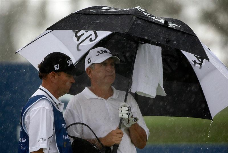 INCHEON, SOUTH KOREA - SEPTEMBER 10:  Jay Haas of United States is on the eighth hole tee box during day one of PGA Champions Tour - Posco E&C Songdo Championship at Jack Nicklaus Golf Club on September 10, 2010 in Incheon, South Korea.  (Photo by Chung Sung-Jun/Getty Images)