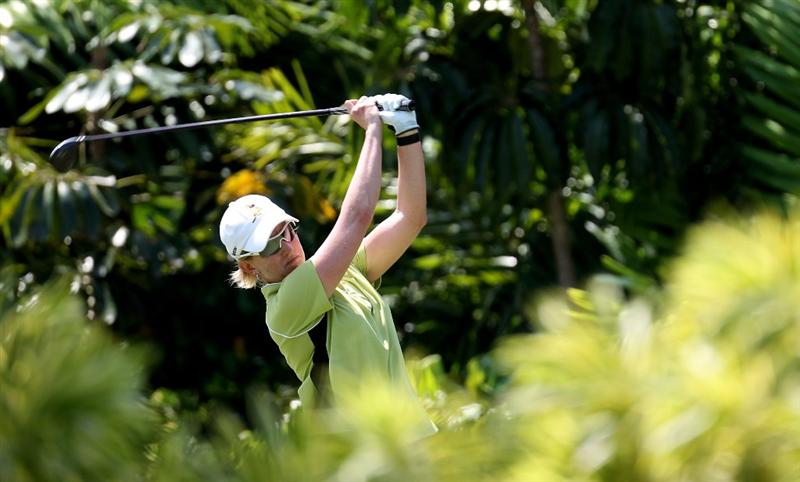SINGAPORE - FEBRUARY 26:  Karrie Webb of Australia on the 7th tee during the second round of the HSBC Women's Champions at the Tanah Merah Country Club on February 26, 2010 in Singapore.  (Photo by Ross Kinnaird/Getty Images)