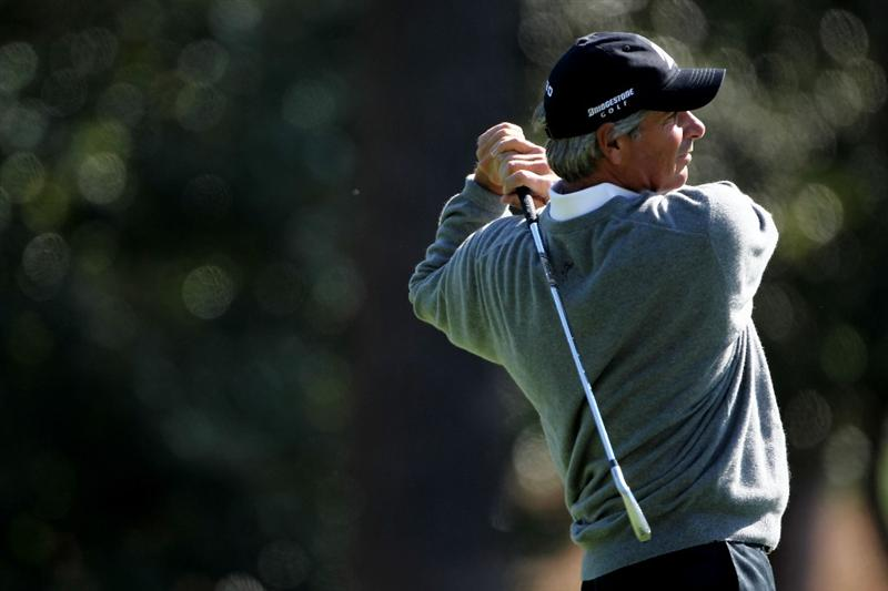 AUGUSTA, GA - APRIL 09:  Fred Couples watches a shot on the second hole during the second round of the 2010 Masters Tournament at Augusta National Golf Club on April 9, 2010 in Augusta, Georgia.  (Photo by Jamie Squire/Getty Images)