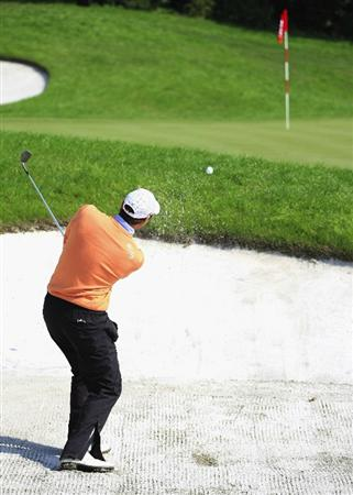 SHANGHAI, CHINA - NOVEMBER 10:  Oliver Wilson of England plays from a bunker during the final round of the HSBC Champions at Sheshan Golf Club on November 10, 2008 in Shanghai, China.  (Photo by Scott Halleran/Getty Images)