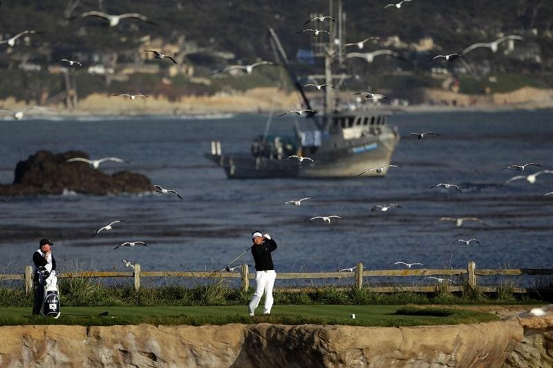 PEBBLE BEACH, CA - JUNE 19:  K.J. Choi of South Korea watches his tee shot on the 18th hole during the third round of the 110th U.S. Open at Pebble Beach Golf Links on June 19, 2010 in Pebble Beach, California.  (Photo by Andrew Redington/Getty Images)