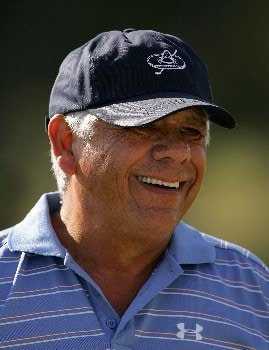 SAN ANTONIO - OCTOBER 20:  Lee Trevino warms up on the range during the second round of the AT&T Championship at Oak Hills Country Club October 20, 2007 in San Antonio, Texas.  (Photo by S.Greenwood/Getty Images)