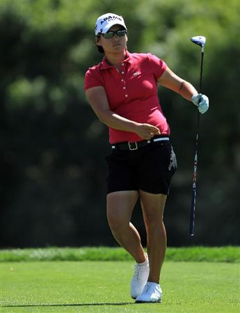 RANCHO MIRAGE, CA - APRIL 03: Yani Tseng of Taiwan plays her tee shot on the par 4, 6th hole during the final round of the 2011 Kraft Nabisco Championship on the Dinah Shore Championship Course at the Mission Hills Country Club on April 3, 2011 in Rancho Mirage, California.  (Photo by David Cannon/Getty Images)