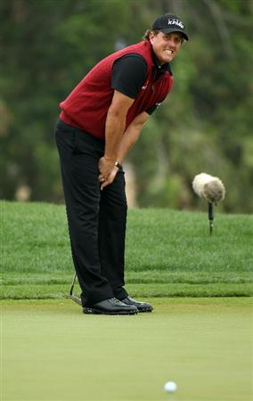ABU DHABI, UNITED ARAB EMIRATES - JANUARY 22:  Phil Mickelson of the USA during the third round of the Abu Dhabi HSBC Golf Championship at the Abu Dhabi Golf Club on January 22, 2011 in Abu Dhabi, United Arab Emirates.  (Photo by Ross Kinnaird/Getty Images)
