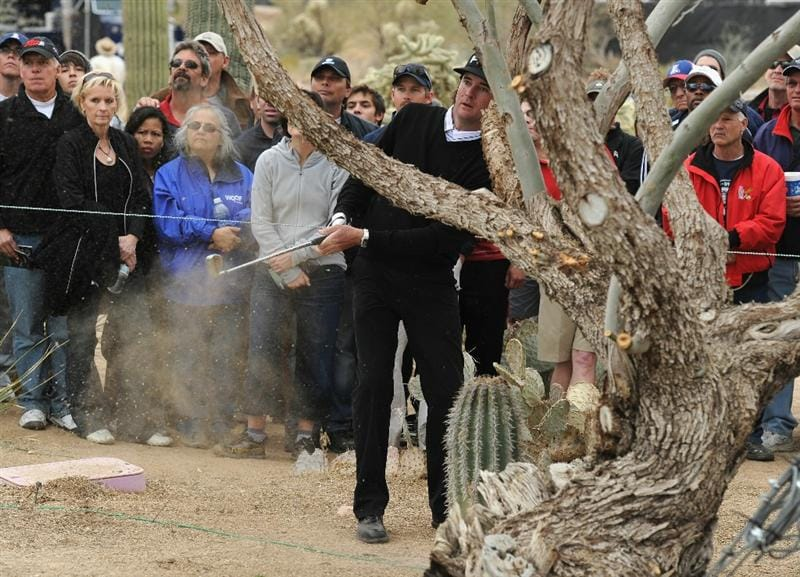 MARANA, AZ - FEBRUARY 26:  Bubba Watson plays his approach shot on the 10th hole during the semifinal round of the Accenture Match Play Championship at the Ritz-Carlton Golf Club on February 26, 2011 in Marana, Arizona.  (Photo by Stuart Franklin/Getty Images)