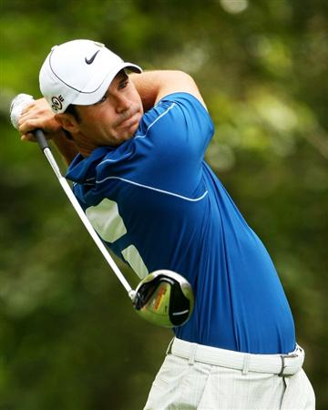AUGUSTA, GA - APRIL 10:  Trevor Immelman of South Africa watches his tee shot on the second hole during the second round of the 2009 Masters Tournament at Augusta National Golf Club on April 10, 2009 in Augusta, Georgia.  (Photo by Andrew Redington/Getty Images)