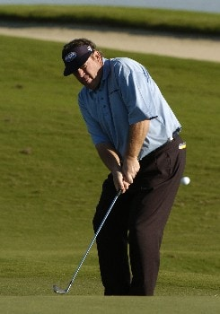 Joey Sindelar  chips into the 17th green during first round competition at the 2005 Honda Classic March 10, 2005 in Palm Beach Gardens, Florida.