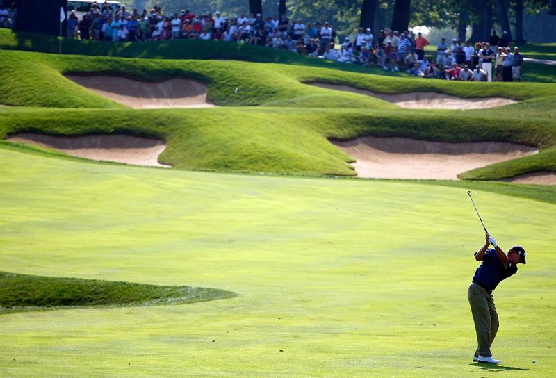LEMONT, IL - SEPTEMBER 10:  Steve Stricker hits a shot to the eighth green during the first round of the BMW Championship held at Cog Hill Golf & CC on September 10, 2009 in Lemont, Illinois.  (Photo by Scott Halleran/Getty Images)