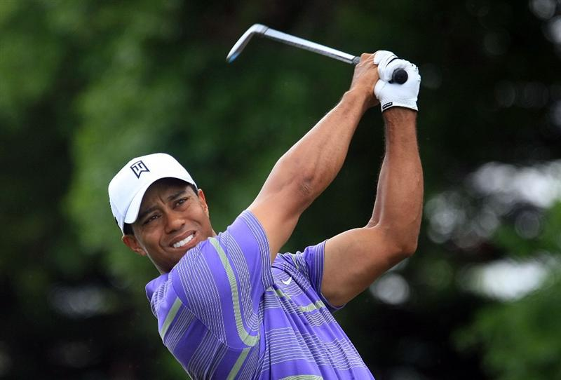 ORLANDO, FL - MARCH 28:  Tiger Woods hits his tee shot on the second hole during the third round of the Arnold Palmer Invitational at the Bay Hill Club & Lodge on March 28, 2009 in Orlando, Florida.  (Photo by Scott Halleran/Getty Images)