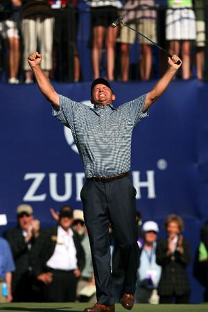 AVONDALE, LA - APRIL 25:  Jason Bohn celebrates on the the 18th green after he putted out for victory during the final round of the Zurich Classic at TPC Louisiana on April 25, 2010 in Avondale, Louisiana.  (Photo by Chris Trotman/Getty Images)