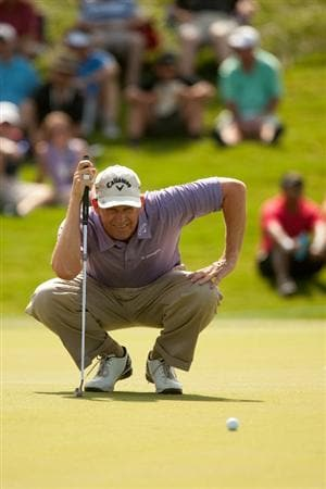 IRVING, TX - MAY 20: Lee Janzen lines up a putt during the first round of the HP Byron Nelson Championship at TPC Four Seasons Resort Las Colinas on May 20, 2010 in Irving, Texas. (Photo by Darren Carroll/Getty Images)