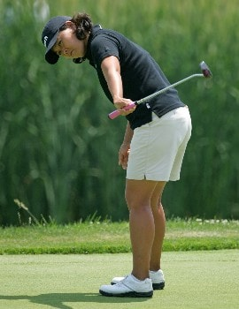 HAVRE DE GRACE, MD - JUNE 07:  Kim Saiki-Maloney reacts to missing a putt on the par 4 18th hole during the first round of the McDonalds LPGA Championship at Bulle Rock golf course on June 7, 2007 in Havre de Grace, Maryland.  (Photo by Andy Lyons/Getty Images)