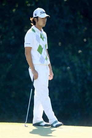 AUGUSTA, GA - APRIL 09:  Kevin Na waits on the fifth hole during the second round of the 2010 Masters Tournament at Augusta National Golf Club on April 9, 2010 in Augusta, Georgia.  (Photo by David Cannon/Getty Images)