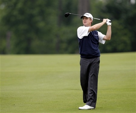 DULUTH, GA - MAY 15:  David Toms watches his second shot on the 18th hole during the first round of the AT&T Classic at TPC Sugarloaf on May 15, 2008 in Duluth, Georgia.  (Photo by Matt Sullivan/Getty Images)