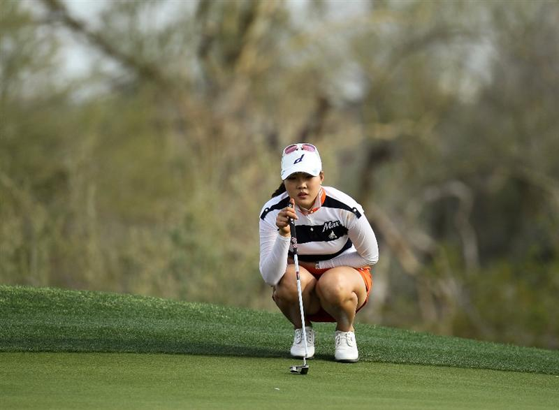 PHOENIX, AZ - MARCH 18:  Hee Kyung Seo of South Korea lines up a putt on the 16th hole during the first round of the RR Donnelley LPGA Founders Cup at Wildfire Golf Club on March 18, 2011 in Phoenix, Arizona.  (Photo by Stephen Dunn/Getty Images)