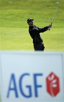 PLENEUF-VAL-ANDRE, FRANCE - APRIL 26:  Steve Benson of England chips onto the 16th green during the final round of the AGF-Allianz Open Cotes d'Armour Bretagne at Golf Blue-Green Pleneuf-Val Andre on April 26, 2008 in Pleneuf-Val Andre, France.  (Photo by Warren Little/Getty Images)