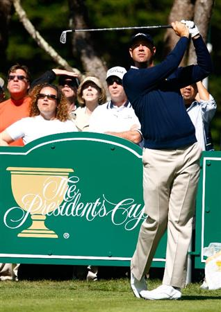 SAN FRANCISCO - OCTOBER 06:  Stewart Cink of the US Team watches a shot during a practice round prior to the start of The Presidents Cup at Harding Park Golf Course on October 6, 2009 in San Francisco, California.  (Photo by Scott Halleran/Getty Images)