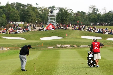 SHANGHAI, CHINA - NOVEMBER 11: Kevin Stadler of USA plays his 3rd to the 8th during the final day of the HSBC Champions at the Sheshan Golf Club on November 11, 2007 in Shanghai, China.  (Photo by Andrew Redington/Getty Images)