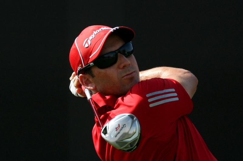 DUBAI, UNITED ARAB EMIRATES - NOVEMBER 21:  Sergio Garcia of Spain plays his tee shot at the 7th hole during the third round of the Dubai World Championship, on the Earth Course, Jumeirah Golf Estates on November 21, 2009 in Dubai, United Arab Emirates  (Photo by David Cannon/Getty Images)