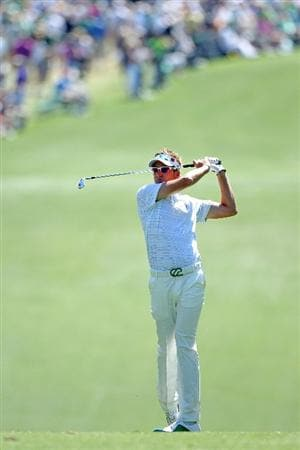 AUGUSTA, GA - APRIL 07:  Ian Poulter of England hits his second shot on the first hole during the first round of the 2011 Masters Tournament at Augusta National Golf Club on April 7, 2011 in Augusta, Georgia.  (Photo by Andrew Redington/Getty Images)