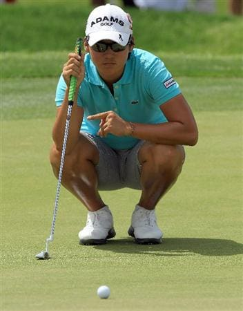 RANCHO MIRAGE, CA - APRIL 02:  Yani Tseng of Taiwan putting at the par 5, 2nd hole during the third round of the 2011 Kraft Nabisco Championship on the Dinah Shore Championship Course at the Mission Hills Country Club on April 2, 2011 in Rancho Mirage, California.  (Photo by David Cannon/Getty Images)