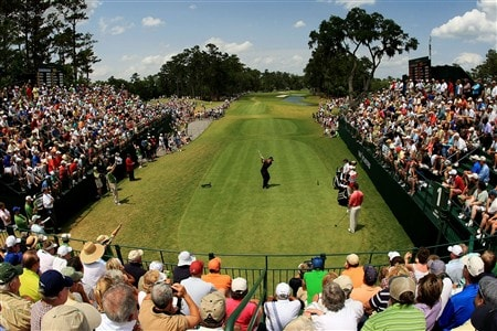 PONTE VEDRA BEACH, FL - MAY 11:  Sergio Garcia of Spain plays his tee shot on the 1st hole during the final round of THE PLAYERS Championship on THE PLAYERS Stadium Course at TPC Sawgrass on May 11, 2008 in Ponte Vedra Beach, Florida.  (Photo by Richard Heathcote/Getty Images)