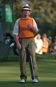 Tom Kite reacts to a missed putt on the 18th green during the third round of the 2006 Charles Schwab Cup Championship at the Sonoma Golf Club, in Sonoma, California on October 28, 2006. Champions Tour - 2006 Charles Schwab Cup Championship - Third RoundPhoto by Steve Grayson/WireImage.com
