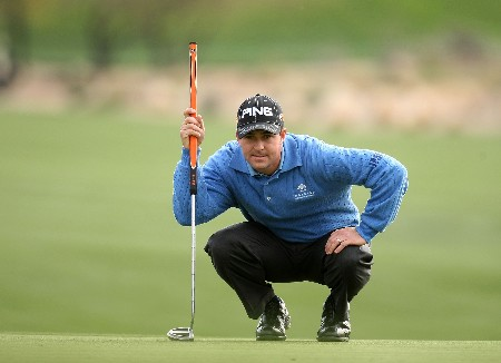 SCOTTSDALE, AZ - FEBRUARY 03:  Charles Warren lines up his putt on the 18th green during the final round  of the FBR Open on February 3, 2008 at TPC of Scottsdale in Scottsdale,  Arizona.  (Photo by Stephen Dunn/Getty Images)