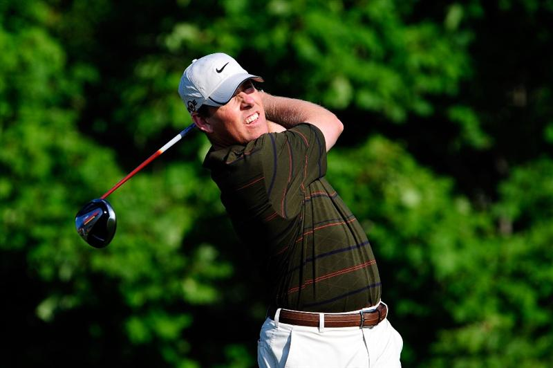 CHASKA, MN - AUGUST 14:  Justin Leonard hits his tee shot on the tenth hole during the second round of the 91st PGA Championship at Hazeltine National Golf Club on August 14, 2009 in Chaska, Minnesota.  (Photo by Sam Greenwood/Getty Images)