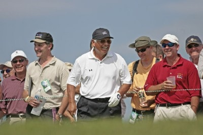 Lee Trevino jokes with the gallery during the first round of the 3M Championship held at TPC Twin Cities in Blaine, Minnesota, on August 4, 2006.Photo by: Chris Condon/PGA TOUR