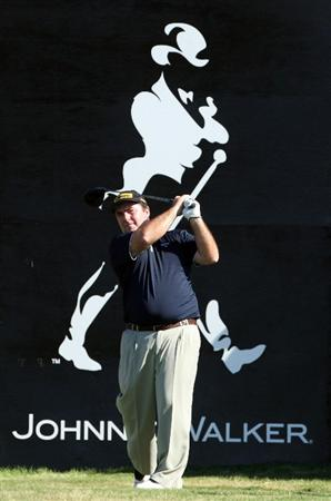 PERTH, AUSTRALIA - FEBRUARY 19:  Craig Parry of Australia drives at the 18th hole during the first round of the 2009 Johnnie Walker Classic tournament at the Vines Resort and Country Club, on February 19, 2009, in Perth, Australia  (Photo by David Cannon/Getty Images)