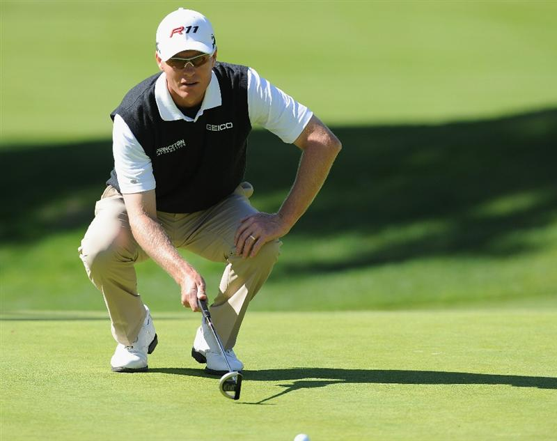 PACIFIC PALISADES, CA - FEBRUARY 17:  John Senden of Australia lines up his putt on the seventh hole during the first round of the Northern Trust Open at Riviera Country Club on February 17, 2011 in Pacific Palisades, California.  (Photo by Stuart Franklin/Getty Images)
