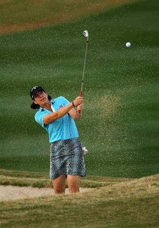 PHOENIX, AZ - MARCH 19: Juli Inkster hits out of a bunker on the 15th hole during the second round of the RR Donnelley LPGA Founders Cup at Wildfire Golf Club on March 19, 2011 in Phoenix, Arizona.  (Photo by Stephen Dunn/Getty Images)