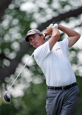 FT. WORTH, TX - MAY 29: Ian Baker-Finch hits his tee shot on the 9th hole during the second round of the Crowne Plaza Invitational at Colonial Country Club on May 29, 2009 in Ft. Worth, Texas. (Photo by Hunter Martin/Getty Images)