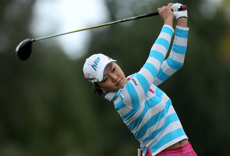 RANCHO MIRAGE, CA - APRIL 01:  Hee Kyung Seo of South Korea hits her tee shot on the 12th hole during the first round of the Kraft Nabisco Championship at Mission Hills Country Club on April 1, 2010 in Rancho Mirage, California.  (Photo by Stephen Dunn/Getty Images)